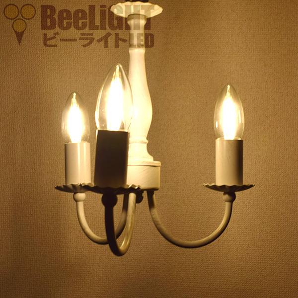 LED電球「BD-0417M-CANDLE」をシャンデリア器具で点灯した様子
