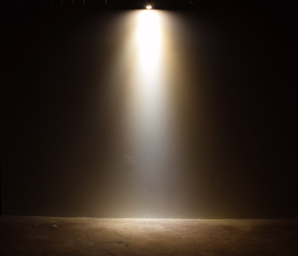 BeeLIGHTのLED電球「BH-0711NC-WH-WW-Ra96」の商品画像。実際の配光写真。
