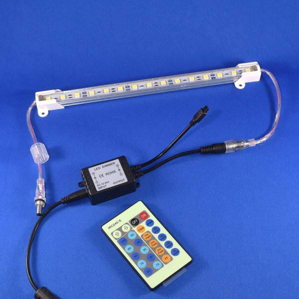 BeeLIGHTの「LEDスティック専用調光コントローラー」商品写真。