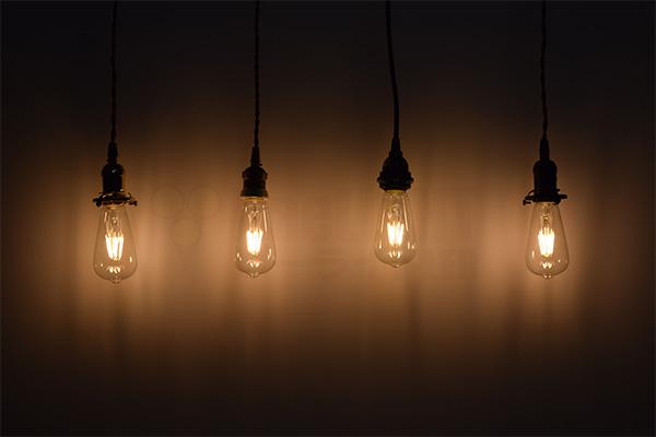 BeeLIGHTのLED電球「BD-0626ST64」の商品画像。